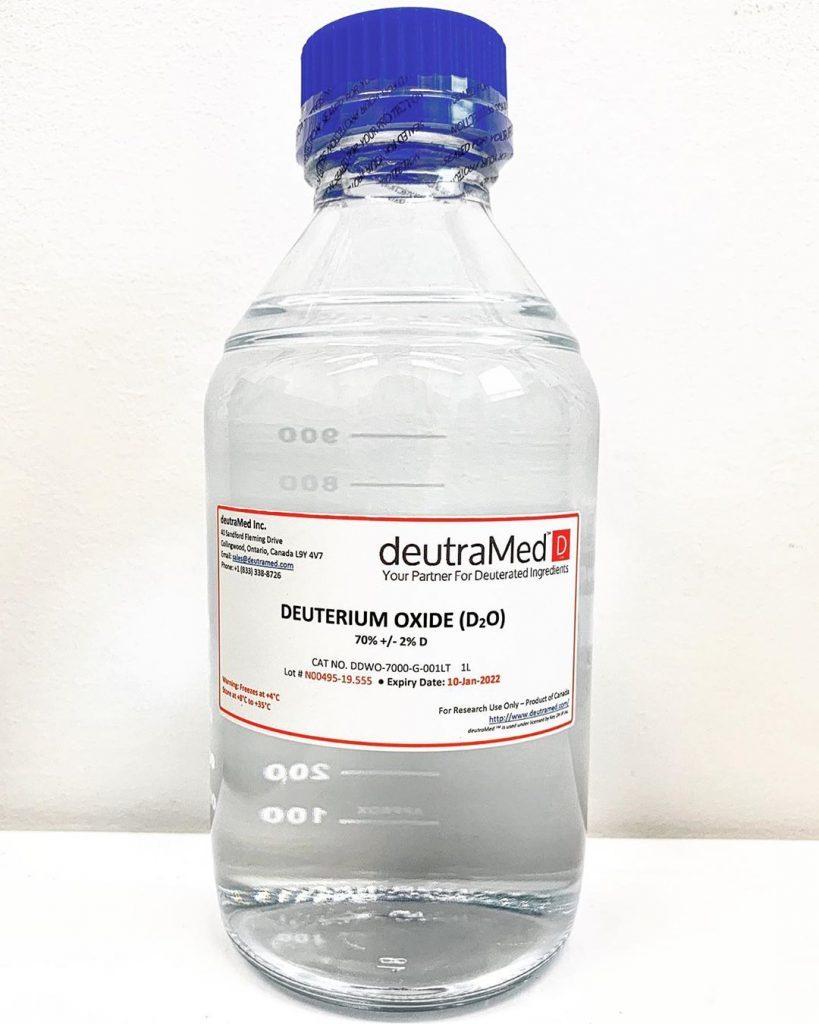 Close up shot of a deutraMed™ Deuterium Oxide D₂O Deuterium Gas bottle